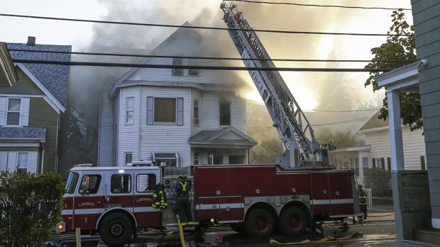 Al menos 70 edificios afectados por una serie de explosiones de gas en EE.UU.