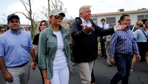 Trump insulta a Puerto Rico y niega los muertos por el huracán