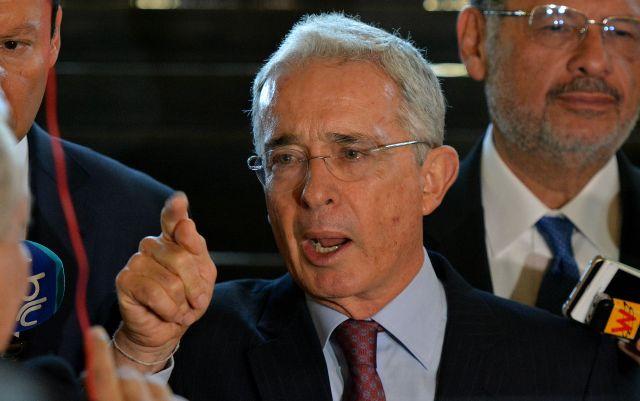 """""""Me causa profunda tristeza"""": Álvaro Uribe anunció que la Justicia colombiana ordenó su detención"""