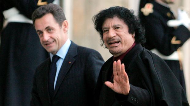 Las presuntas donaciones de Gadafi a Sarkozy y los otros escándalos que cercan al presidente