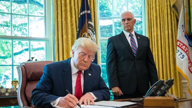 Trump confirma que Mike Pence será su compañero de campaña para las presidenciales de 2020
