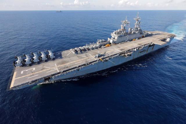Jefe del Comando Sur espera orden de Trump para desplegar Marina de EEUU en Venezuela