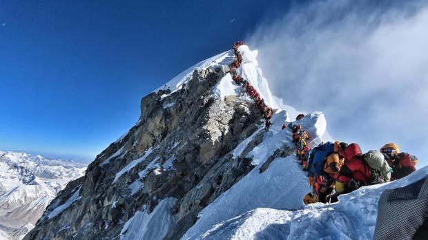Las nuevas reglas para escalar el Everest