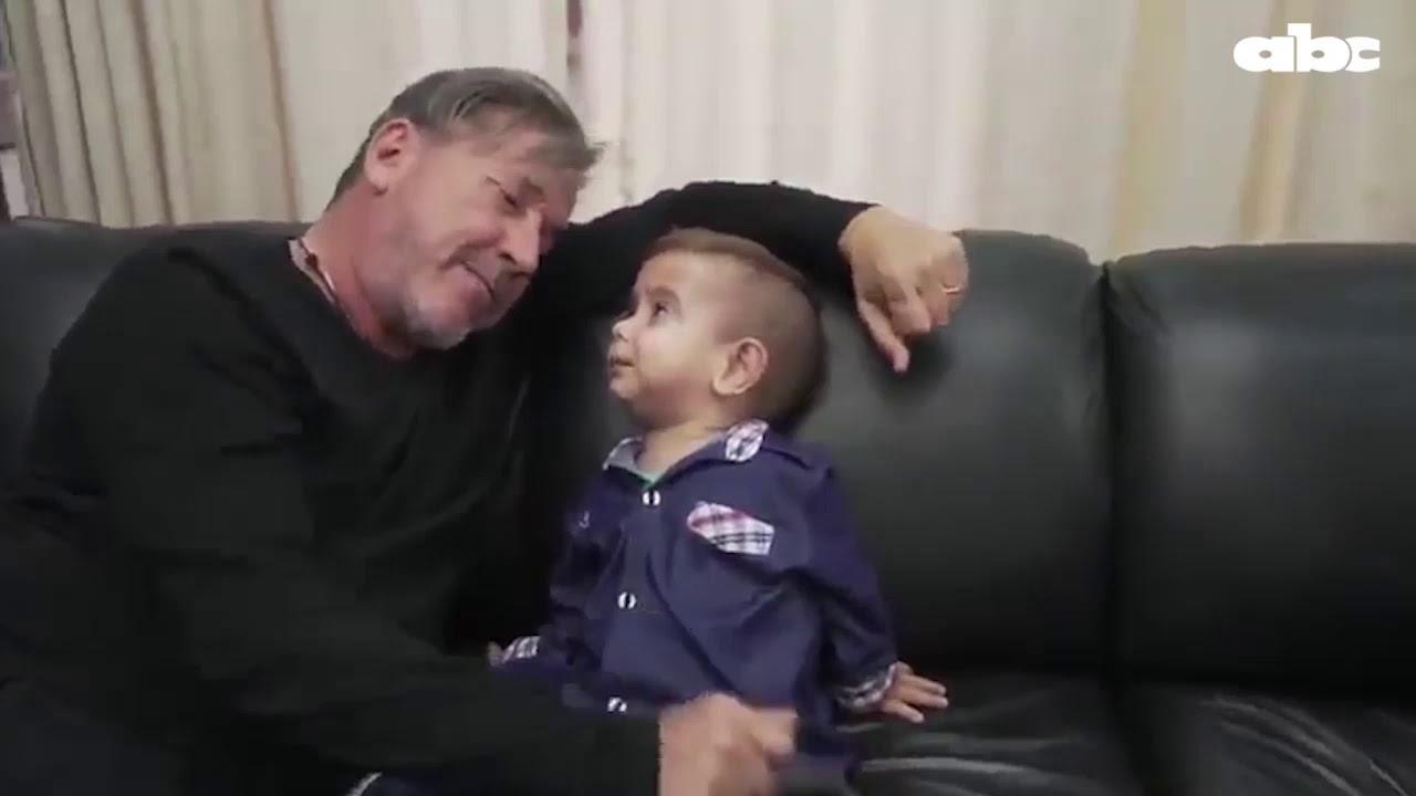 4 videos -Descansa en paz Brunito Martínez, el niño que tocó el corazón de muchos- Ricardo Montaner con Brunito – YouTube