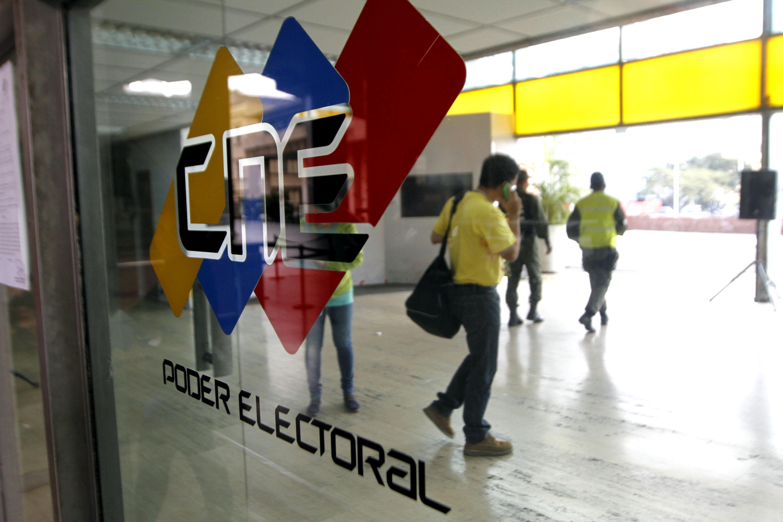 Venezuela va rumbo, a ciegas y a empujones, hacia unas elecciones inminentes