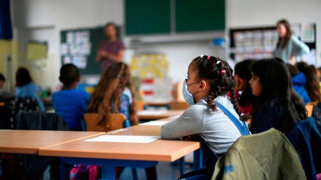 California publicó guía para retomar clases presenciales en algunas escuelas